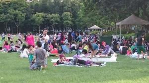 Jeden Sonntag versammeln sich unzählige Menschen aus Indonesien im Victoria Park.